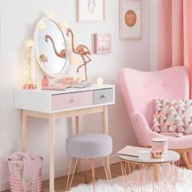 child_makeup_table